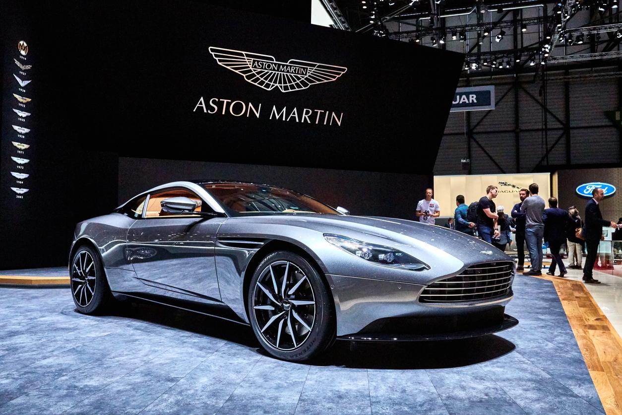 Mercedes Benz Takes 20 Stake In Aston Martin