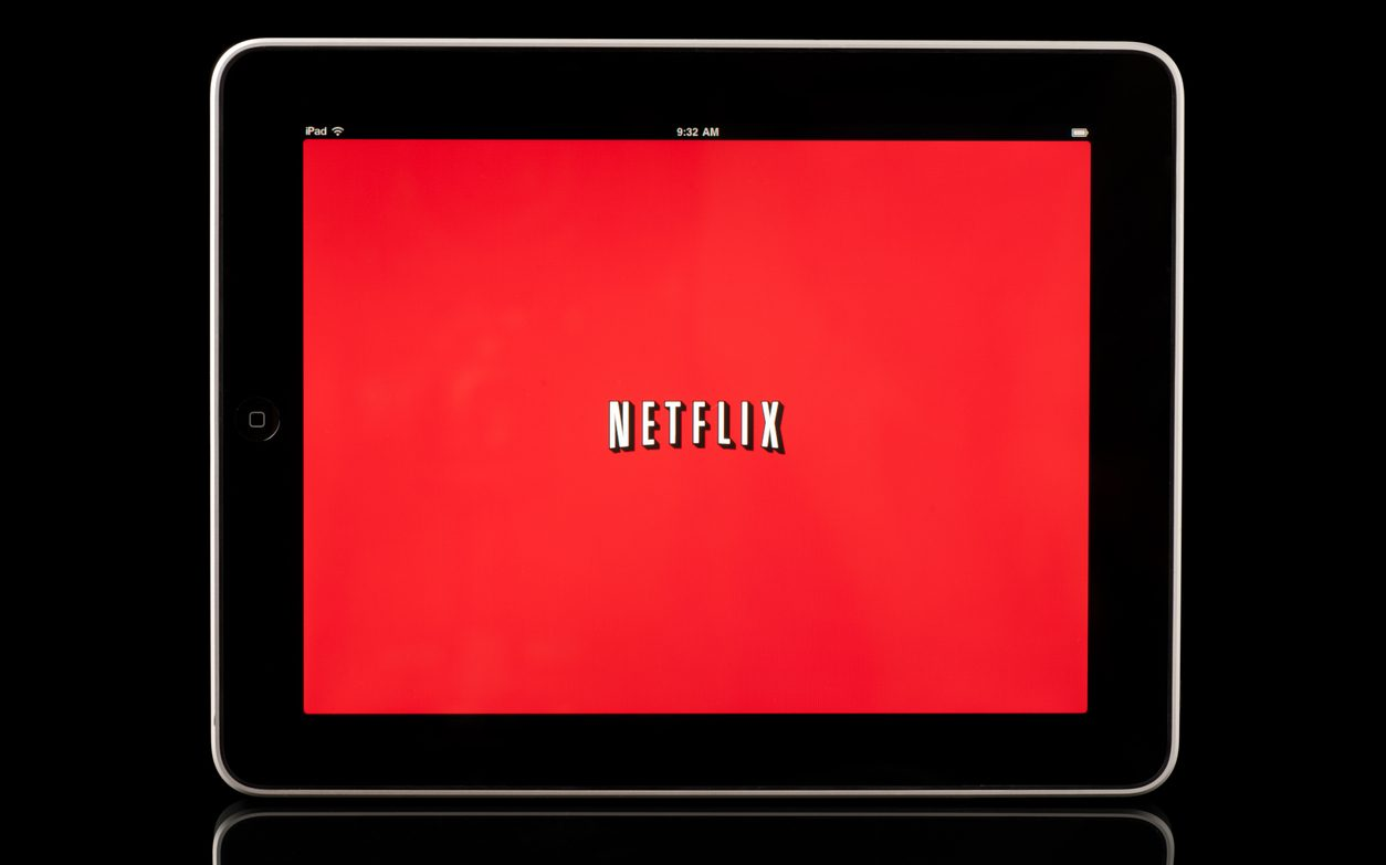 """Netflix Shares Dive as """"COVID Boom"""" Appears to End"""